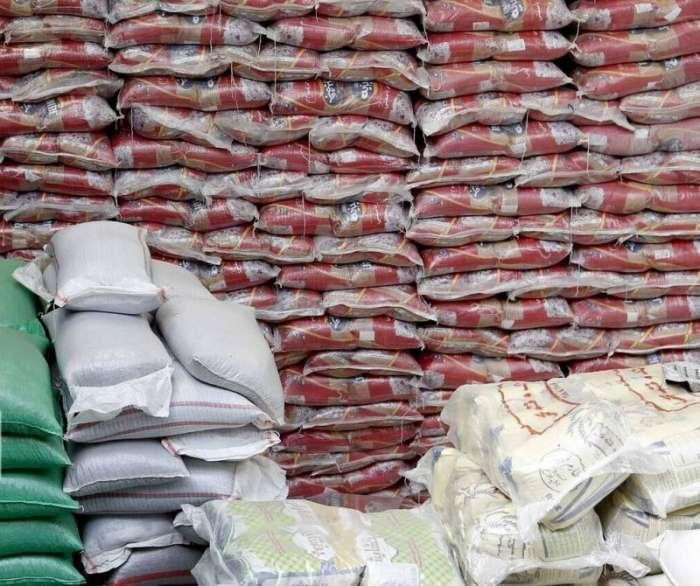 یکهزار بسته معیشتی و ۸ سری جهیزیه در پلدشت توزیع شد